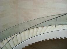 Mudam, innen mit Treppe